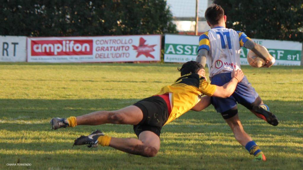 Avezzano vs US Roma Rugby - placcaggio Giorgio Rettagliata