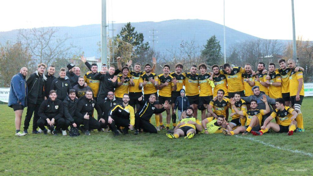 foto di gruppo - avezzano rugby sesta vittoria consecutiva